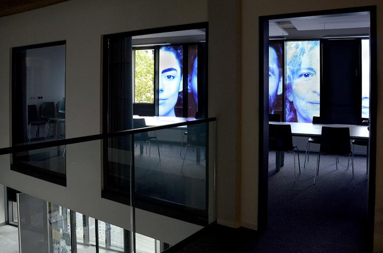 Vue salle de conférence et foyer / Blick Besprechungszimmer und Foyer