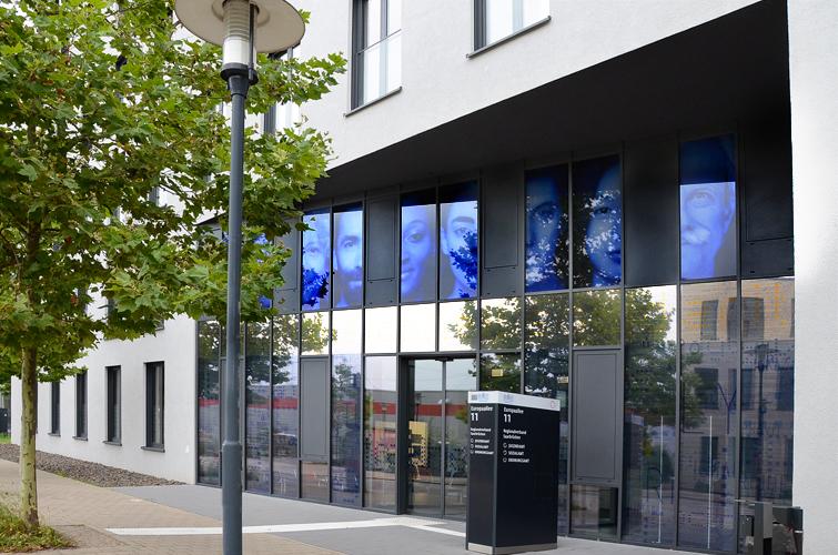 Facade vitrée /Intervention sur 2 étages / Glasfassade / Intervention auf 2 Etagen